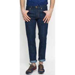 Wrangler - Jeansy GREENSBORO OCEAN. Niebieskie jeansy męskie Wrangler. W wyprzedaży za 239.90 zł.