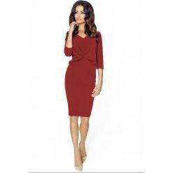 Klasyczna sukienka km206. Czerwone sukienki damskie Kartes Moda, z tkaniny, biznesowe, z klasycznym kołnierzykiem. W wyprzedaży za 89.00 zł.