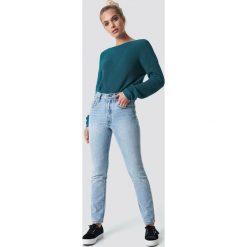 NA-KD Sweter z dzianiny z dekoltem V - Green. Zielone swetry damskie NA-KD, z dzianiny. Za 121.95 zł.