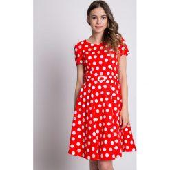 Bawełniana sukienka w grochy z krótkim rękawem BIALCON. Czerwone sukienki damskie BIALCON, w grochy, z bawełny, wizytowe, z krótkim rękawem. W wyprzedaży za 248.00 zł.