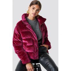 NA-KD Aksamitna kurtka - Pink,Red,Burgundy. Czerwone kurtki damskie NA-KD, z materiału. Za 404.95 zł.