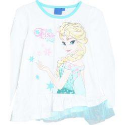 Biała Bluzka Snow Girl. Białe bluzki dla dziewczynek Born2be, z motywem z bajki, z falbankami. Za 29.99 zł.