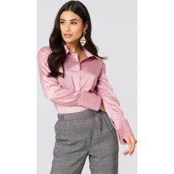 Boohoo Satynowe koszule - Pink. Koszule damskie Boohoo, z satyny. W wyprzedaży za 40.38 zł.