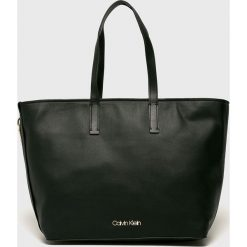 Calvin Klein - Torebka. Czarne torby na ramię damskie Calvin Klein. Za 699.90 zł.