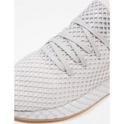 Adidas Originals DEERUPT RUNNER J Tenisówki i Trampki grey one/light solar grey. Buty sportowe chłopięce adidas Originals, z materiału. Za 449.00 zł.