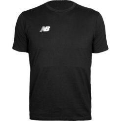 Koszulka treningowa - EMT6123BK. Czarne koszulki sportowe męskie New Balance, na jesień, z materiału. Za 109.99 zł.