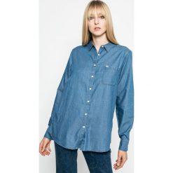 Lee - Koszula. Niebieskie koszule damskie Lee, z bawełny, casualowe, z klasycznym kołnierzykiem, z długim rękawem. W wyprzedaży za 139.90 zł.