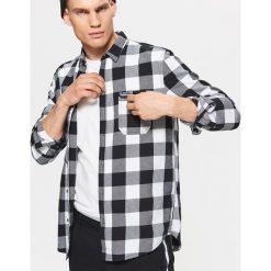 Koszula w kratę z kolekcji BALTIC GAMES - Czarny. Czarne koszule męskie Cropp. Za 79.99 zł.