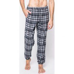Emporio Armani - Spodnie piżamowe. Szare piżamy męskie Emporio Armani, z bawełny. W wyprzedaży za 159.90 zł.