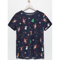 Świąteczny t-shirt męski - Granatowy. Niebieskie t-shirty męskie Sinsay. Za 29.99 zł.