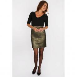"""Sukienka """"Dorée"""" w kolorze czarno-złotym. Czarne sukienki damskie Scottage, z aplikacjami, klasyczne. W wyprzedaży za 113.95 zł."""