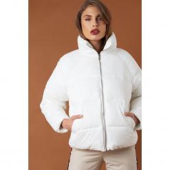NA-KD Trend Krótka kurtka puchowa - White. Białe kurtki damskie NA-KD Trend, z puchu. Za 364.95 zł.