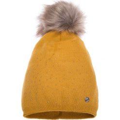 Musztardowa ciepła czapka QUIOSQUE. Brązowe czapki i kapelusze damskie QUIOSQUE, z dzianiny. W wyprzedaży za 49.99 zł.