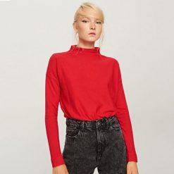 Sweter z niską stójką - Czerwony. Czerwone swetry damskie Reserved, ze stójką. W wyprzedaży za 34.99 zł.