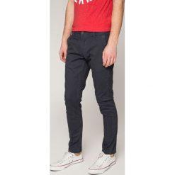 Only & Sons - Spodnie. Szare eleganckie spodnie męskie Only & Sons, z bawełny. W wyprzedaży za 79.90 zł.