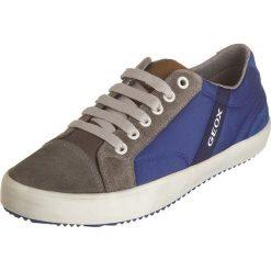 """Sneakersy """"Alonisso"""" w kolorze niebieskim. Niebieskie trampki i tenisówki chłopięce Geox Kids, z gumy. W wyprzedaży za 129.95 zł."""