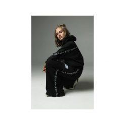 Spodnie Strip that down - grafitowe. Szare spodnie materiałowe damskie Madnezz, z aplikacjami, z bawełny. Za 279.00 zł.