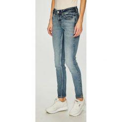 Calvin Klein Jeans - Jeansy. Niebieskie jeansy damskie Calvin Klein Jeans. Za 449.90 zł.