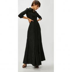 Guess Jeans - Sukienka Olivia. Szare sukienki damskie Guess Jeans, z aplikacjami, z jeansu, casualowe, z krótkim rękawem. Za 679.90 zł.