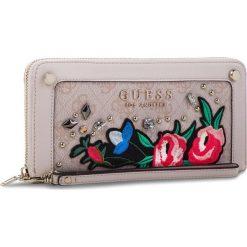 Duży Portfel Damski GUESS - SWSG69 92460  Różowy. Czerwone portfele damskie Guess, z aplikacjami, z materiału. Za 279.00 zł.