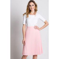 Plisowana różowa spódnica z podszewką BIALCON. Czerwone spódnice damskie BIALCON. W wyprzedaży za 167.00 zł.