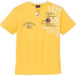 T-shirt z nadrukiem bonprix złocisto-żółty. Żółte t-shirty męskie bonprix, z nadrukiem. Za 44.99 zł.