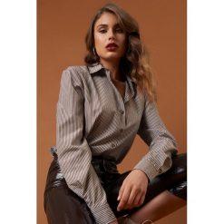NA-KD Trend Koszula basic w brązowe paski - Brown. Brązowe koszule damskie NA-KD Trend, w paski. Za 161.95 zł.