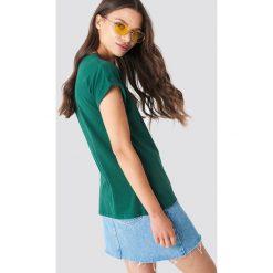 Rut&Circle Klasyczny T-shirt Ellen - Green. Zielone t-shirty damskie Rut&Circle, z klasycznym kołnierzykiem. Za 80.95 zł.
