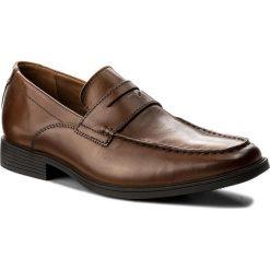 Półbuty CLARKS - Tilden Way 261315767 Tan Leather. Brązowe eleganckie półbuty Clarks, z materiału. W wyprzedaży za 249.00 zł.