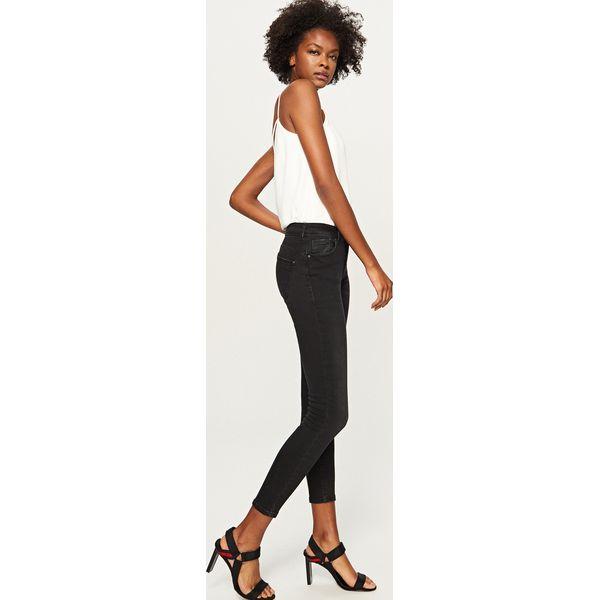 a55b858e779f Sklep   Dla kobiet   Odzież damska   Spodnie i legginsy damskie   Jeansy ...