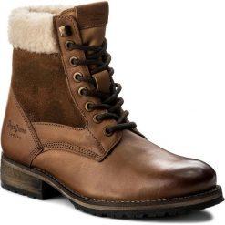 Trapery PEPE JEANS - Melting Camu PLS50291 Nut Brown 877. Brązowe śniegowce i trapery damskie Pepe Jeans, z jeansu. W wyprzedaży za 309.00 zł.