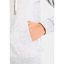 GANT FULL ZIP HOODIE Bluza rozpinana light grey melange. Kardigany damskie GANT, z bawełny. W wyprzedaży za 534.65 zł.