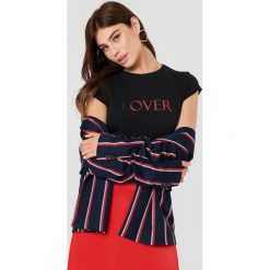 NA-KD T-shirt Lover - Black. Czarne t-shirty damskie NA-KD, z nadrukiem. W wyprzedaży za 51.07 zł.