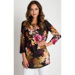 Wzorzysta bluzka w kwiaty z rękawem 3/4 BIALCON. Czarne bluzki damskie BIALCON, w kwiaty, wizytowe. W wyprzedaży za 112.00 zł.
