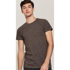 T-shirt basic z kieszonką - Bordowy. Czerwone t-shirty męskie House. Za 35.99 zł.