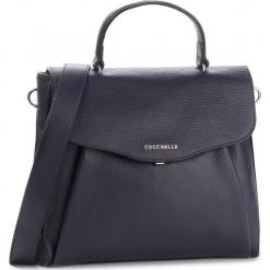 Torebka COCCINELLE - DR5 Andromeda E1 DR5 18 01 01 Bleu B11. Niebieskie torebki do ręki damskie Coccinelle, ze skóry. Za 1,499.90 zł.
