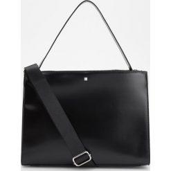 Duża torebka z uchwytem na ramię - Czarny. Torby na ramię damskie marki B'TWIN. W wyprzedaży za 99.99 zł.
