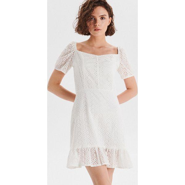 8da3a808bad5e4 Sukienka z angielskim haftem - Biały - Sukienki damskie marki Cropp ...