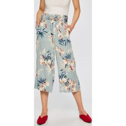Only - Spodnie Devon. Szare spodnie materiałowe damskie Only, z lyocellu. W wyprzedaży za 119.90 zł.