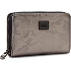 Duży Portfel Damski NOBO - NPUR-0560-C023 Brązowy. Brązowe portfele damskie Nobo, z materiału. W wyprzedaży za 99.00 zł.