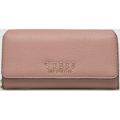Guess Jeans - Portfel. Różowe portfele damskie Guess Jeans, z jeansu. Za 279.90 zł.