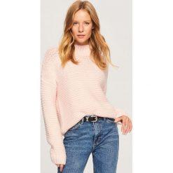 Sweter z grubym splotem - Różowy. Swetry damskie marki bonprix. W wyprzedaży za 79.99 zł.