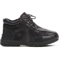 Czarne Traperki Skeptical. Czarne buty zimowe chłopięce Born2be, z materiału. Za 49.99 zł.