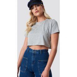 NA-KD Basic Krótki T-shirt oversize - Grey. Szare t-shirty damskie NA-KD Basic, z bawełny. Za 40.95 zł.