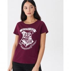 T-shirt Hogwarts - Fioletowy. Fioletowe t-shirty damskie House. Za 29.99 zł.