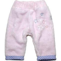 Spodnie w kolorze jasnoróżowym. Czerwone spodnie materiałowe dla dziewczynek Gelati. W wyprzedaży za 49.95 zł.