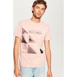 T-shirt z nadrukiem - Różowy. T-shirty damskie marki Pulp. W wyprzedaży za 29.99 zł.