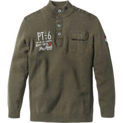 Sweter ze stójką Regular Fit bonprix ciemnooliwkowy. Swetry przez głowę męskie marki Giacomo Conti. Za 79.99 zł.