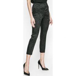 Guess Jeans - Legginsy Mariette. Szare jeansy damskie Guess Jeans. W wyprzedaży za 269.90 zł.