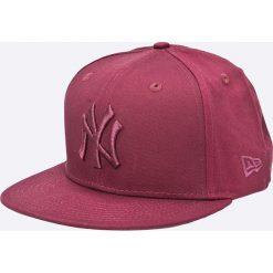 New Era - Czapka. Czerwone czapki i kapelusze męskie New Era. W wyprzedaży za 99.90 zł.